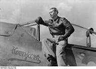Asisbiz Focke Wulf Fw 190A8 5.JG300 Red 3 Kornjark Konrad Bauer WNr 171641 Germany Sep 1944 01