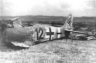 Asisbiz Focke Wulf Fw 190A8 8.JG300 (B12+ ) WNr 680385 1945 01