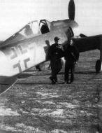 Asisbiz Focke Wulf Fw 190A9 4.JG301 Blue 7 WNr 202565 Emil Schubert Salzwedl Nov 1944 02