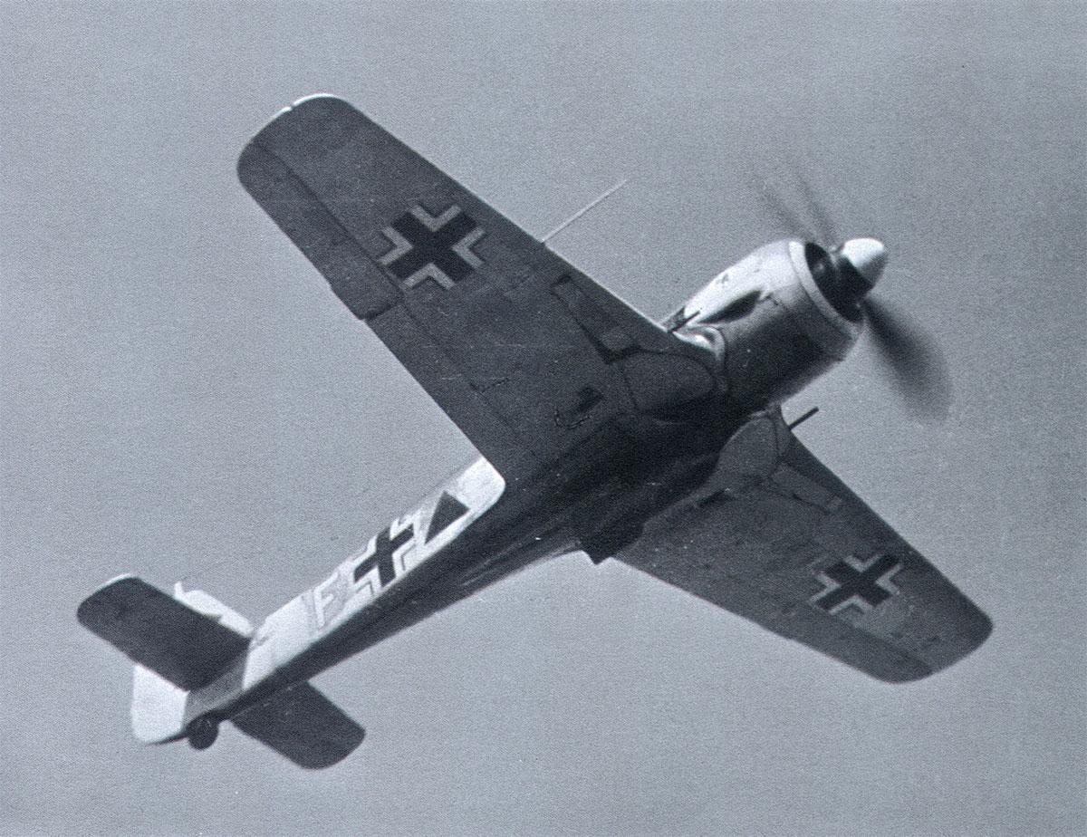 Focke Wulf Fw 190A SG1 White F Triangle April 1943 01