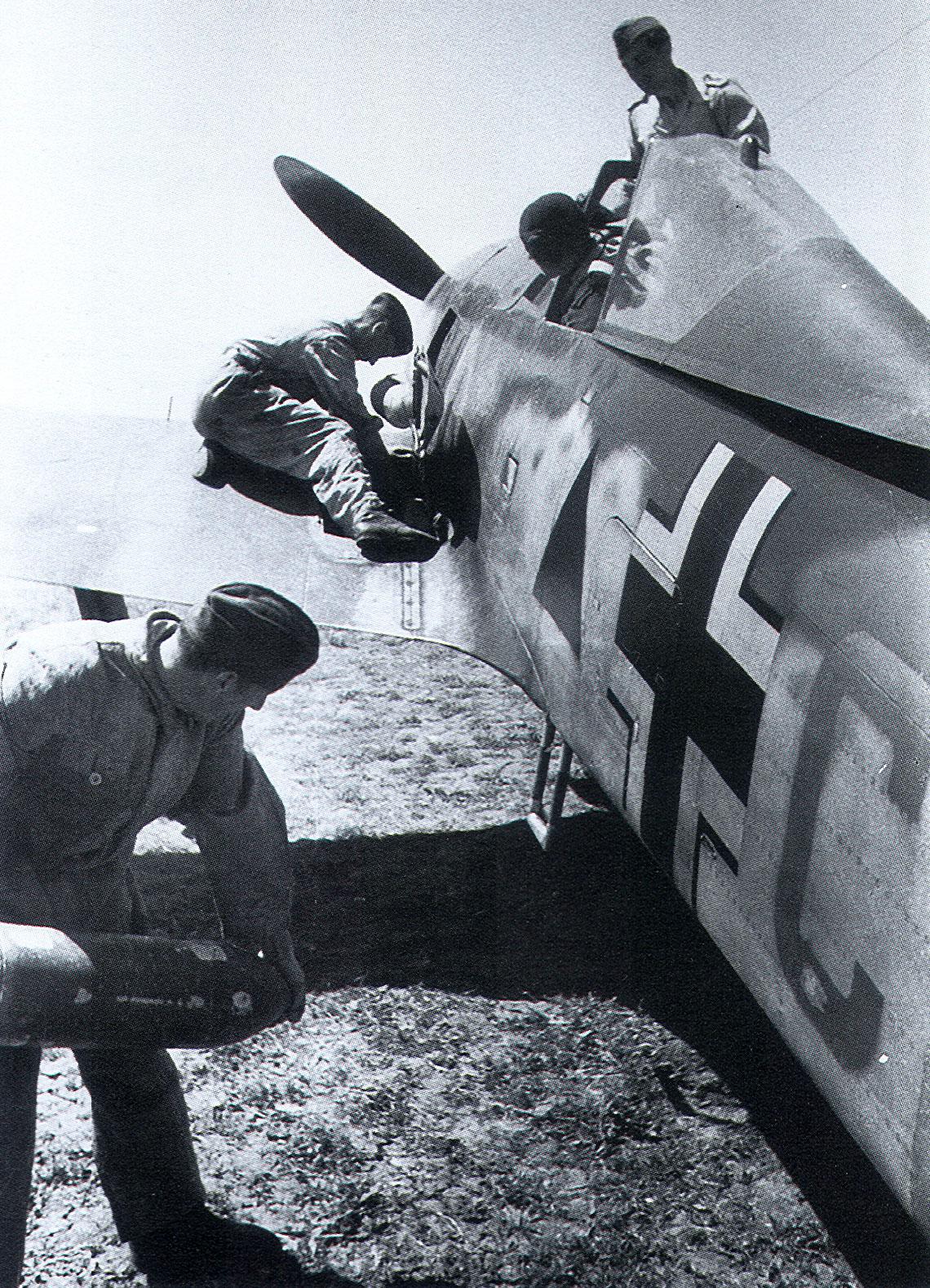 Focke Wulf Fw 190A5 I.SG1 Green C Triangle April 1943 01