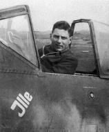 Asisbiz Focke Wulf Fw 190F9 Schlachtflieger Helmut Wenk 1945 02