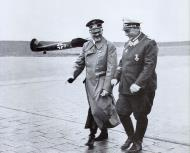 Asisbiz Adolf Hitler and Goring France 1940 01