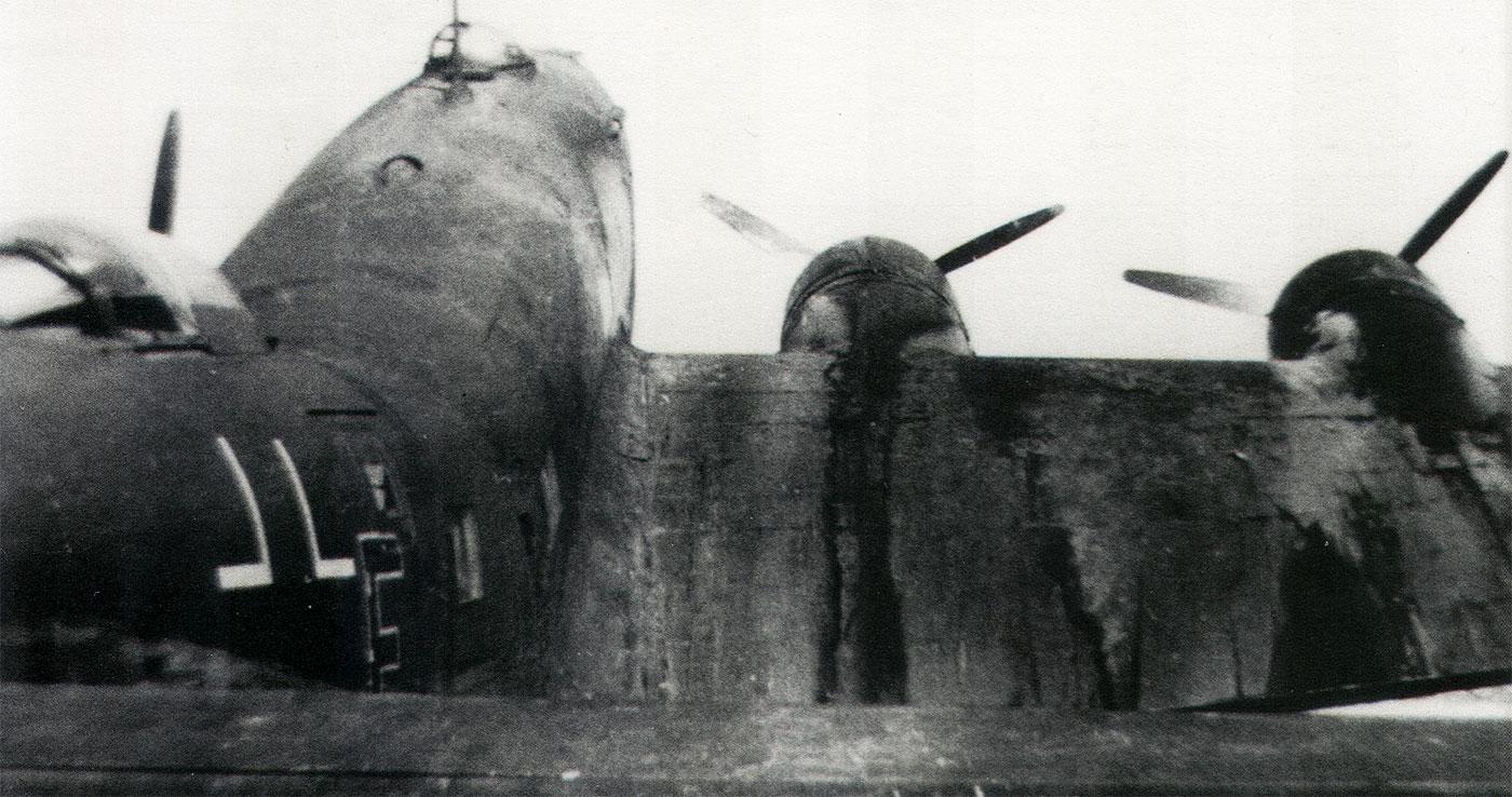 Focke Wulf Fw 200C Condor 12.KG40 (F8+FW) broken back 1942 03