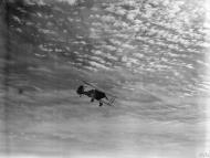 Asisbiz Gladiator II N5786 RAAF 3Sqn near Sollum Egypt during British assault on Bardia Operation Compass IWM CM358