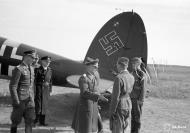 Asisbiz Heinkel He 111 FdF Generaloberst Keller visit Mensuvaaran 13th Aug 1942 01