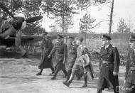 Asisbiz Heinkel He 111 FdF Generaloberst Keller visit Mensuvaaran 13th Aug 1942 05