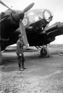 Asisbiz Heinkel He 111H KG100 bomber showing the unit emblem and painted for night ops 01