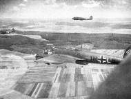 Asisbiz Heinkel He 111H1 1.KG26 1H+LH 1940 01