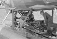 Asisbiz Dornier Do 22 FAF DR195 being rearmed Santahamina 23rd Jul 1942 04