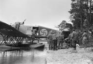 Asisbiz Junkers K 43fa FAF JU127 evacuating wounded personnel at Tiiksjarvi 6th Sep 1941 01