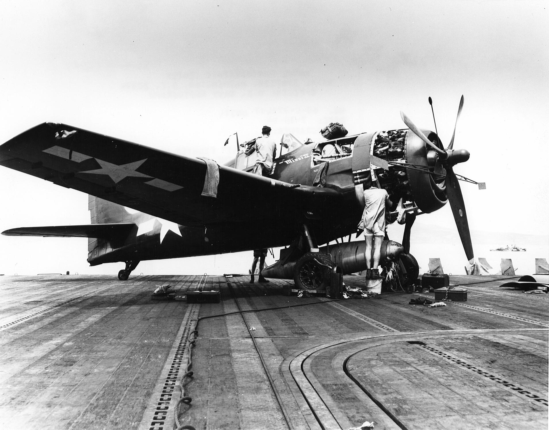 Grumman F6F 5 Hellcat Minsi II belonging to Cdr David McCampbell CV 9 USS Essex 1944 01