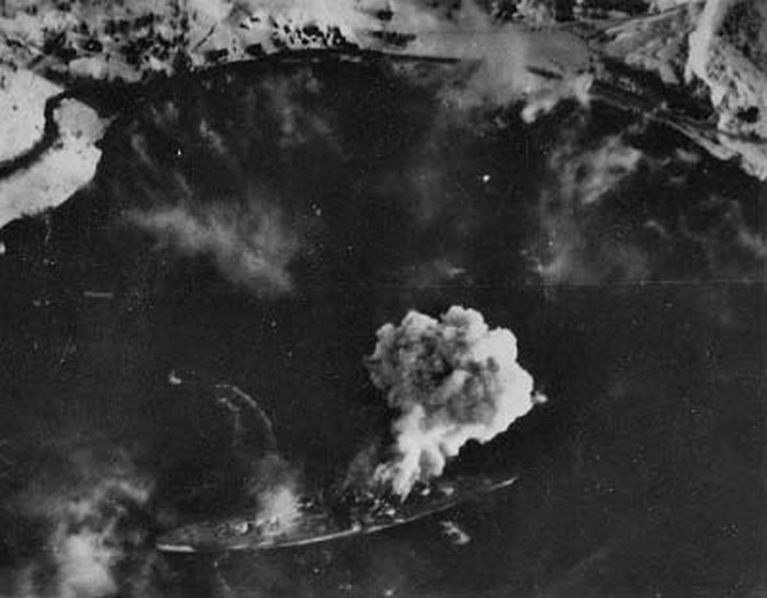 Aerial traget photo showing the strike against the Kriegsmarine Tirpitz 01