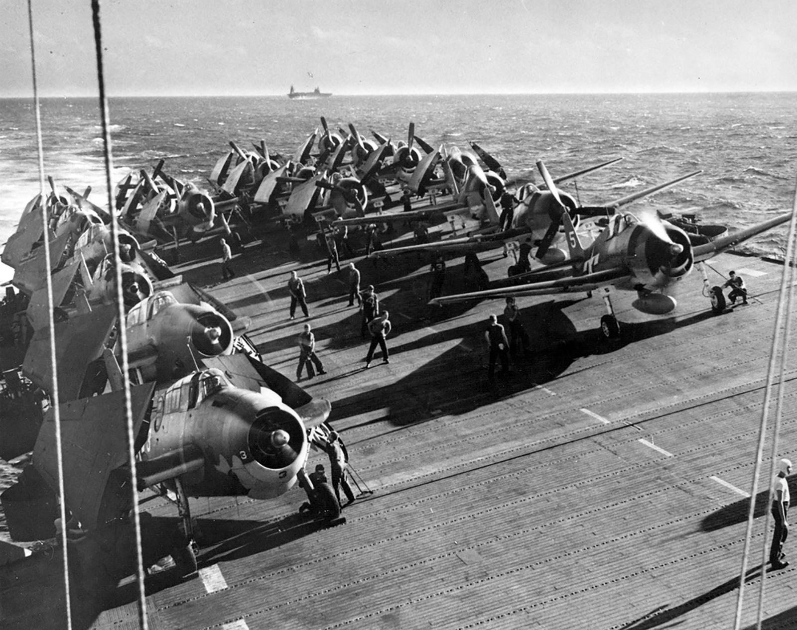Grumman F6F 3 Hellcat Air Group 24 White 5 CVL 24 USS Belleau Wood off Gilbert Islands 01
