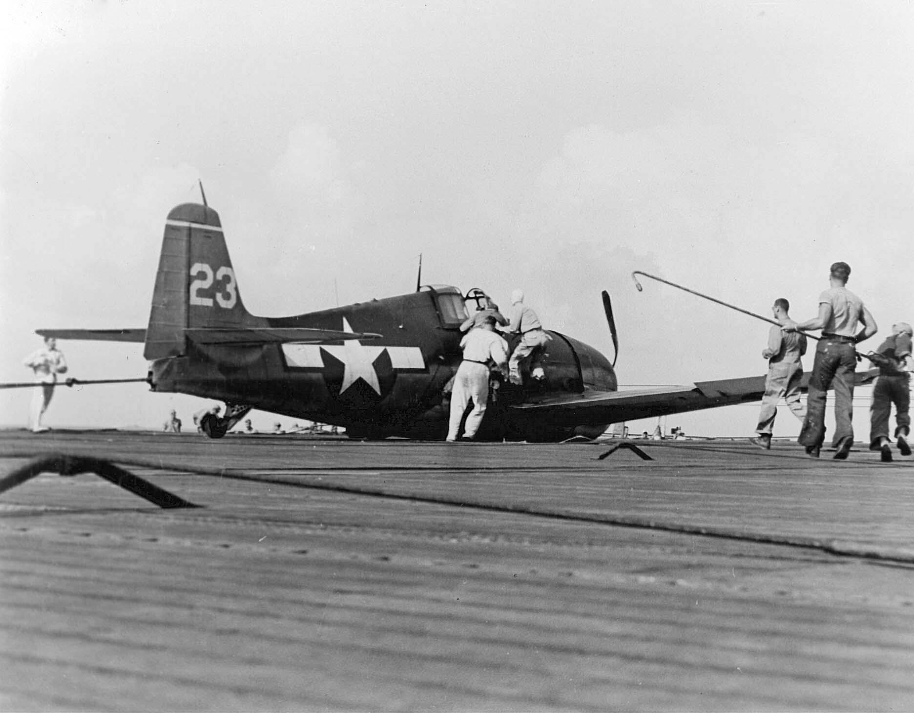Grumman F6F 3 Hellcat VF 15 White 23 landing gear collapsed CV 9 USS Essex 1944 01