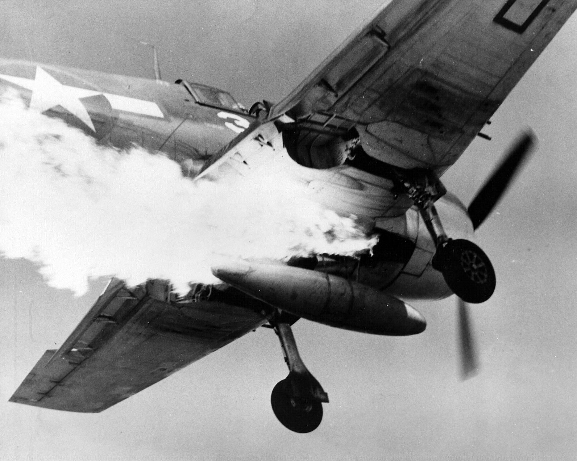 Grumman F6F 3 Hellcat VF 25 White 3 LTJG AW Magee CVL 25 USS Cowpens 20th Nov 1943 01