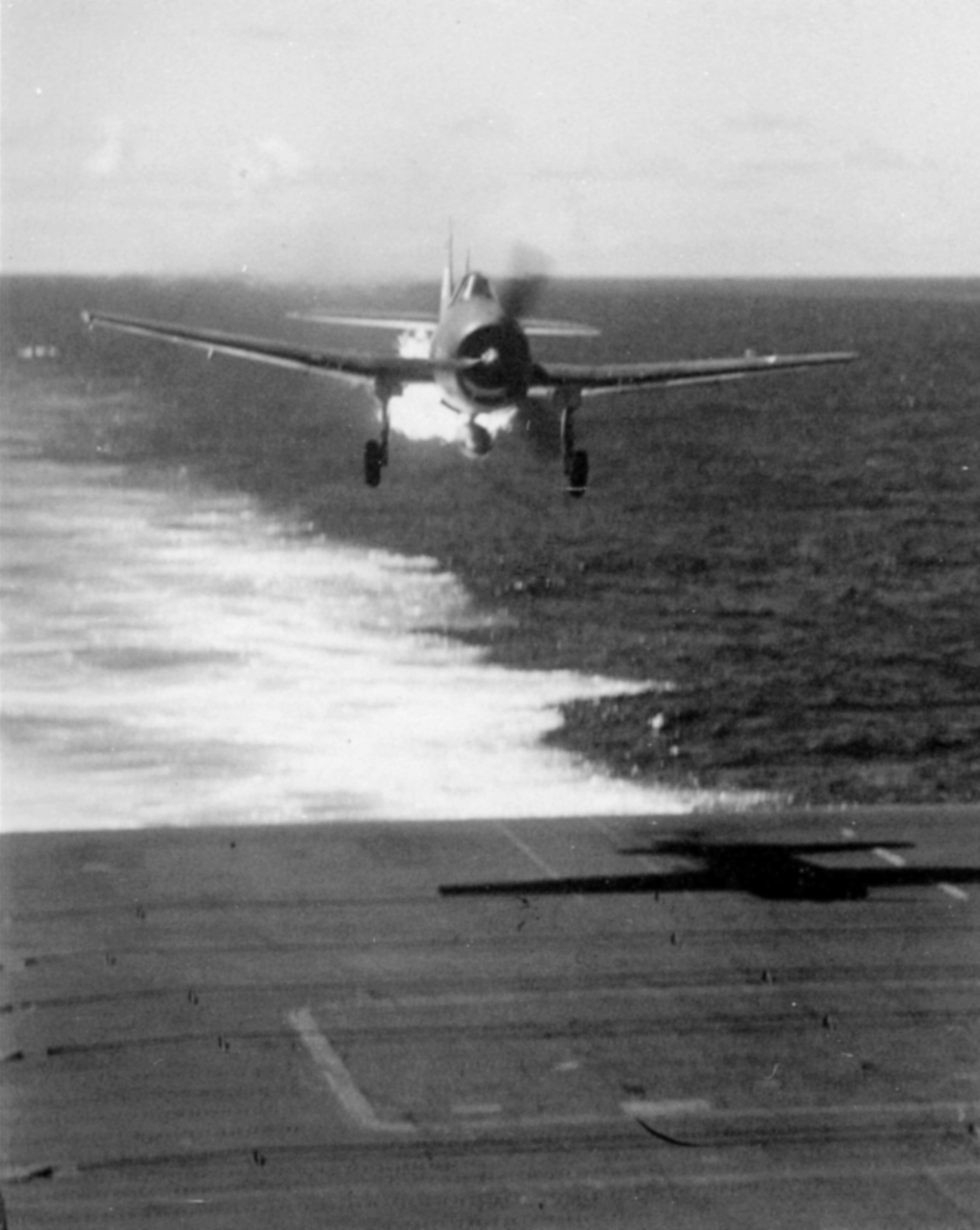 Grumman F6F 3 Hellcat VF 25 White 3 LTJG AW Magee CVL 25 USS Cowpens 20th Nov 1943 02