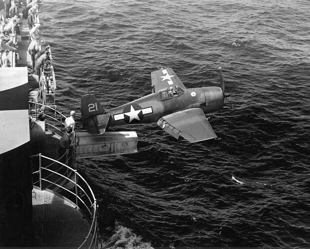 Grumman F6F 3 Hellcat White 21 photographed after a catapult luanch 01