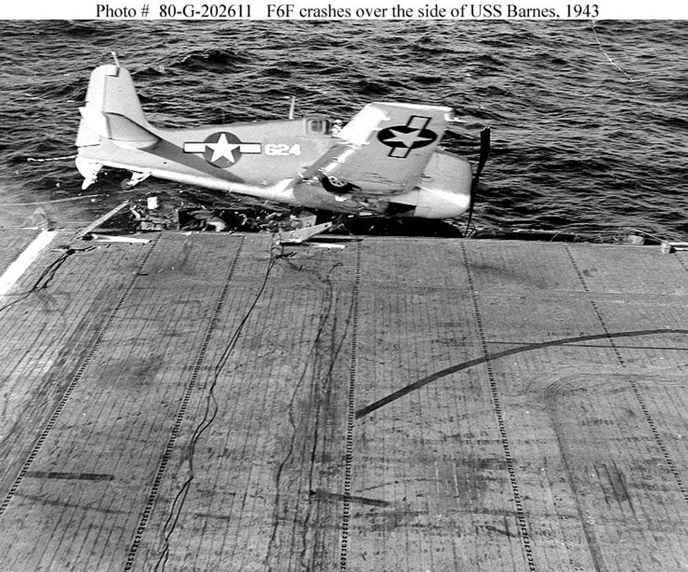Grumman F6F 3 Hellcat White 624 USS Barnes landing mishap 01