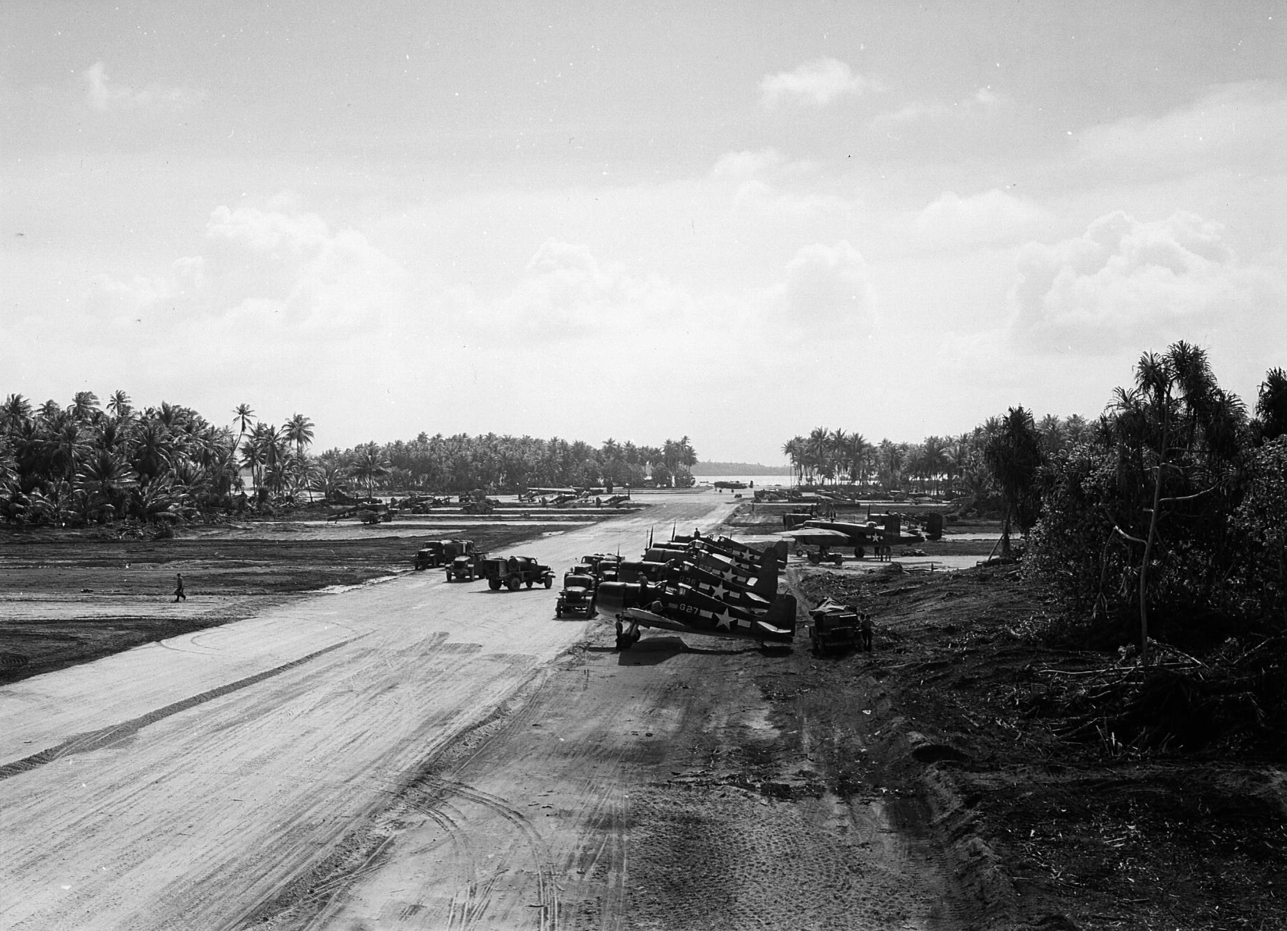 Grumman F6F 3 Hellcat White G27 and G36 Mullinix airstrip Tarawa Island Gilbert Islands Jan Apr 1944 01