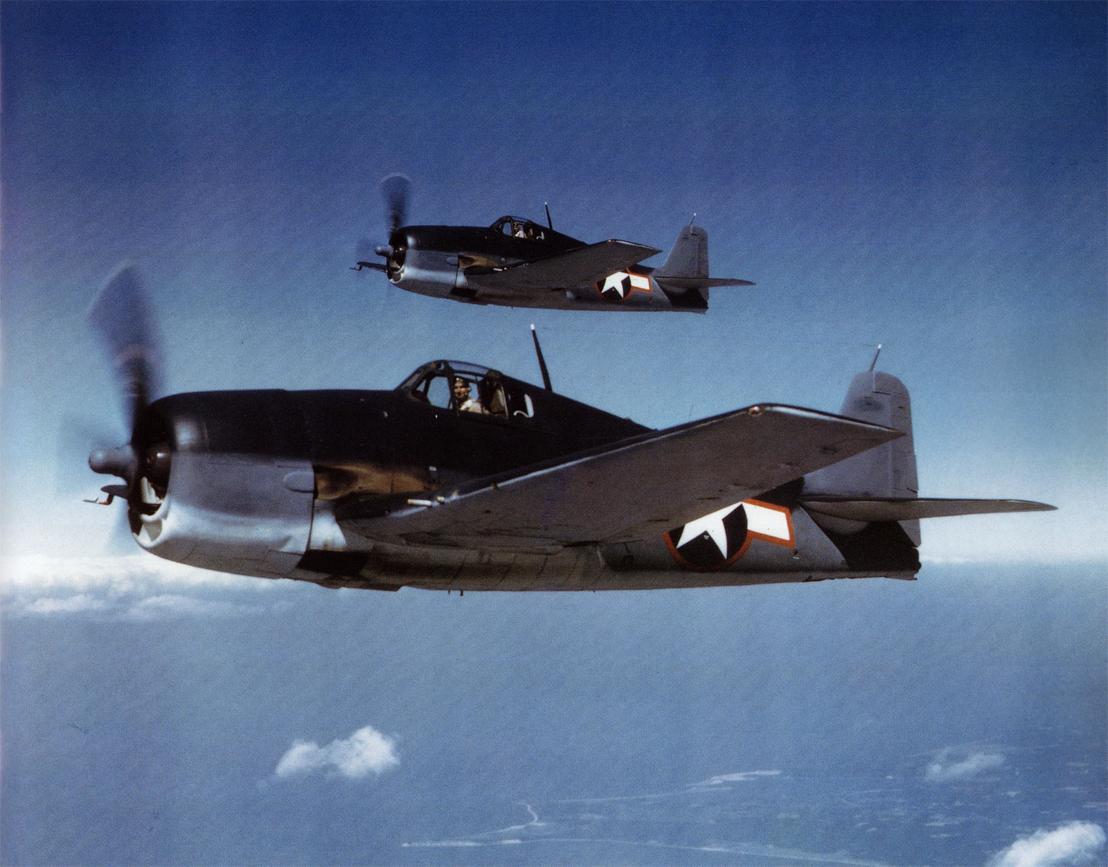 Grumman F6F 3 Hellcat lovely color photograph showing early USN markings 01