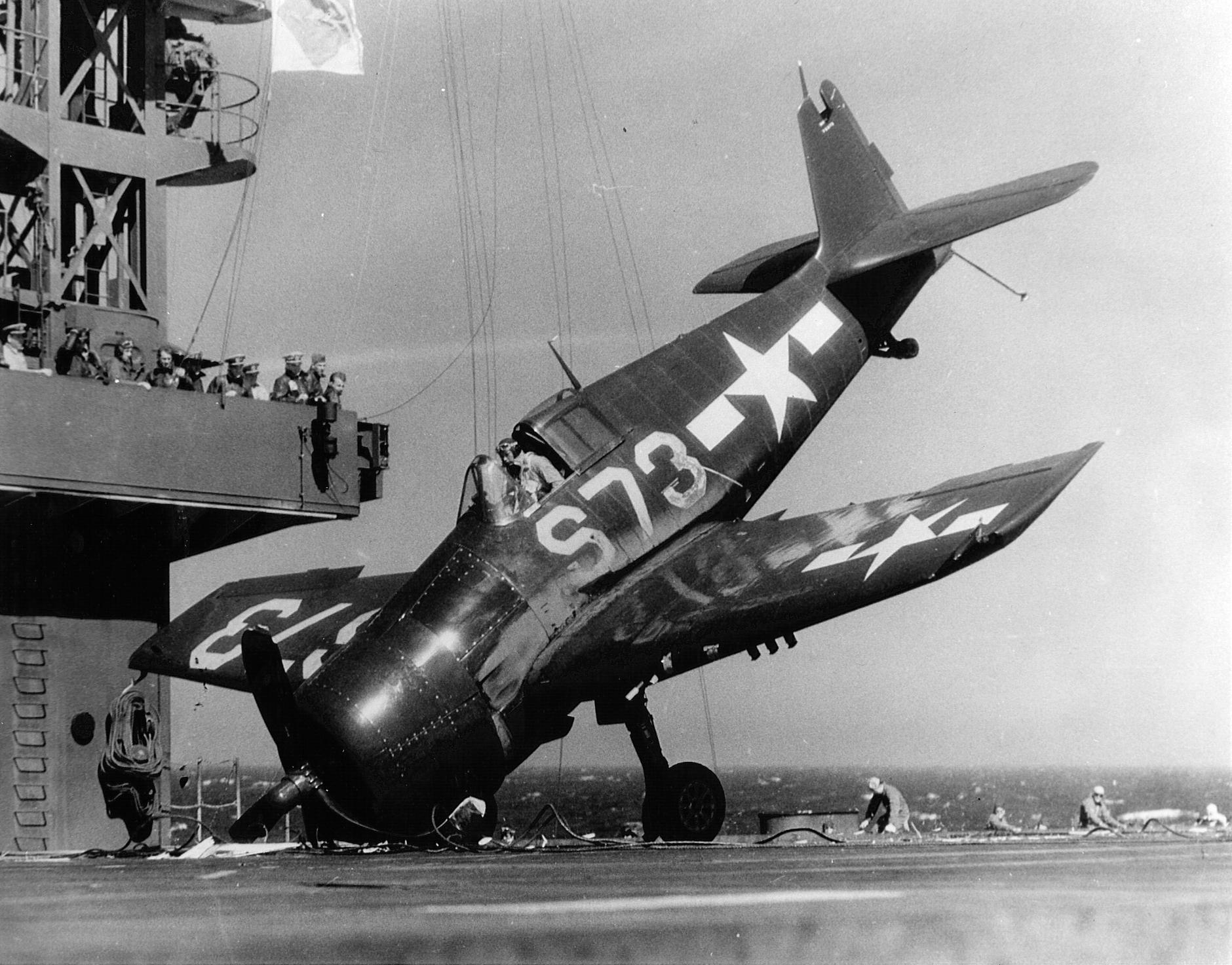 Grumman F6F 5 Hellcat VBF 11 White S73 landing mishap CVE 89 USS Takansis Bay 1945 01