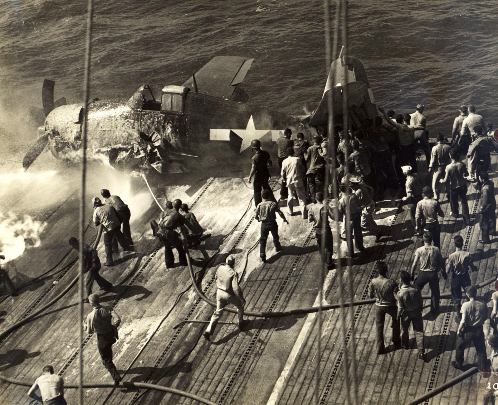 Grumman F6F 5 Hellcat VF 21 flight deck accident CVL 24 USS Belleau Wood 6th Oct 1943 01