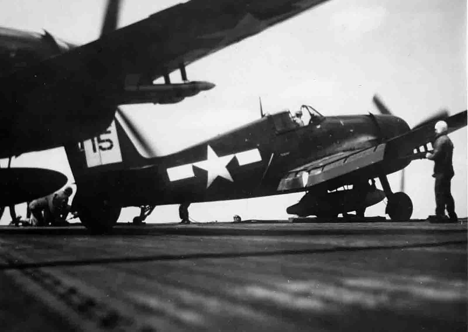 Grumman F6F 5 Hellcat VF 42 Black 15 preparing for launch CVL 30 USS San Jacinto 01