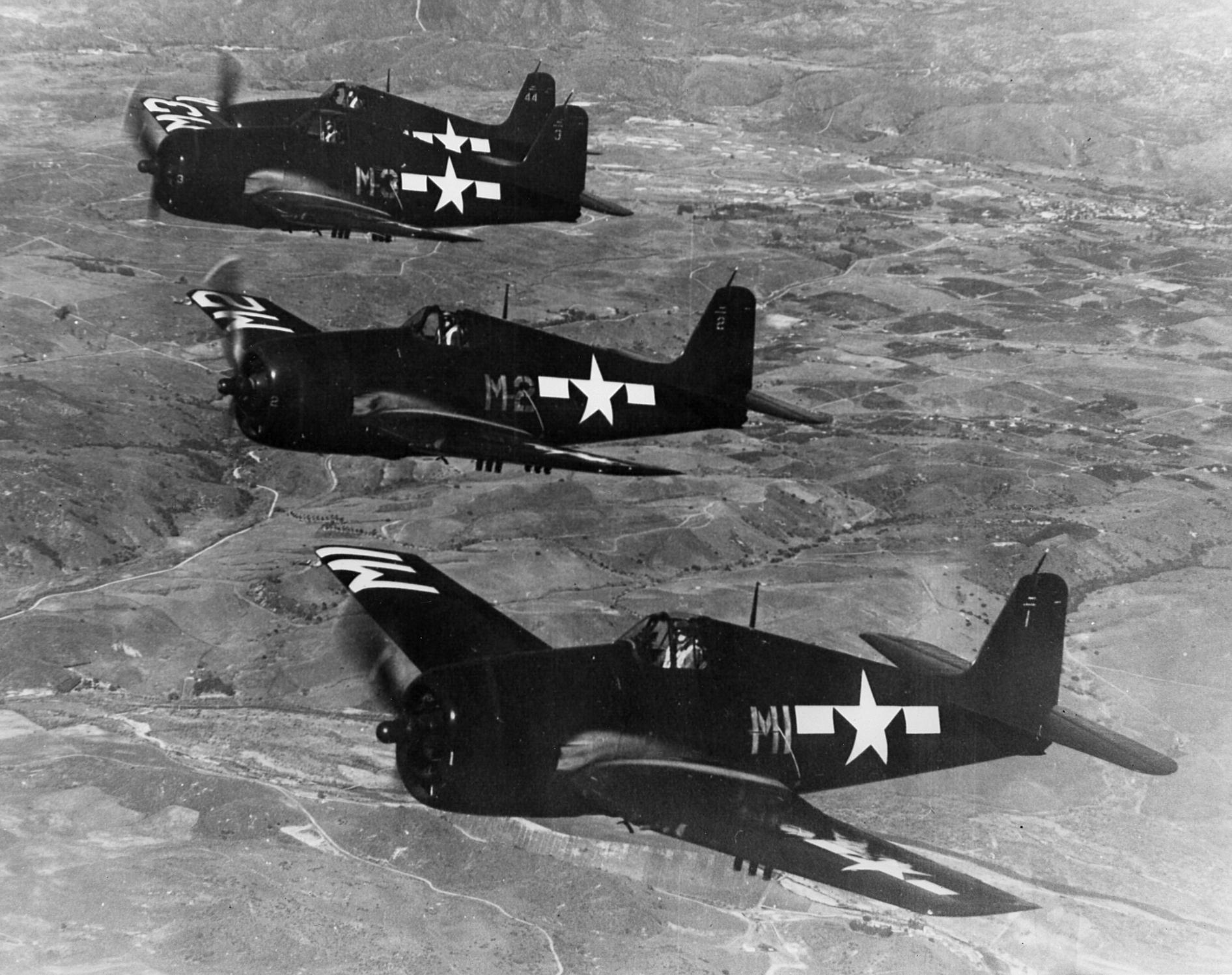 Grumman F6F 5 Hellcat VF 7 Yellow M1 M2 M3 and M44 from CV 6 USS Enterprise 01