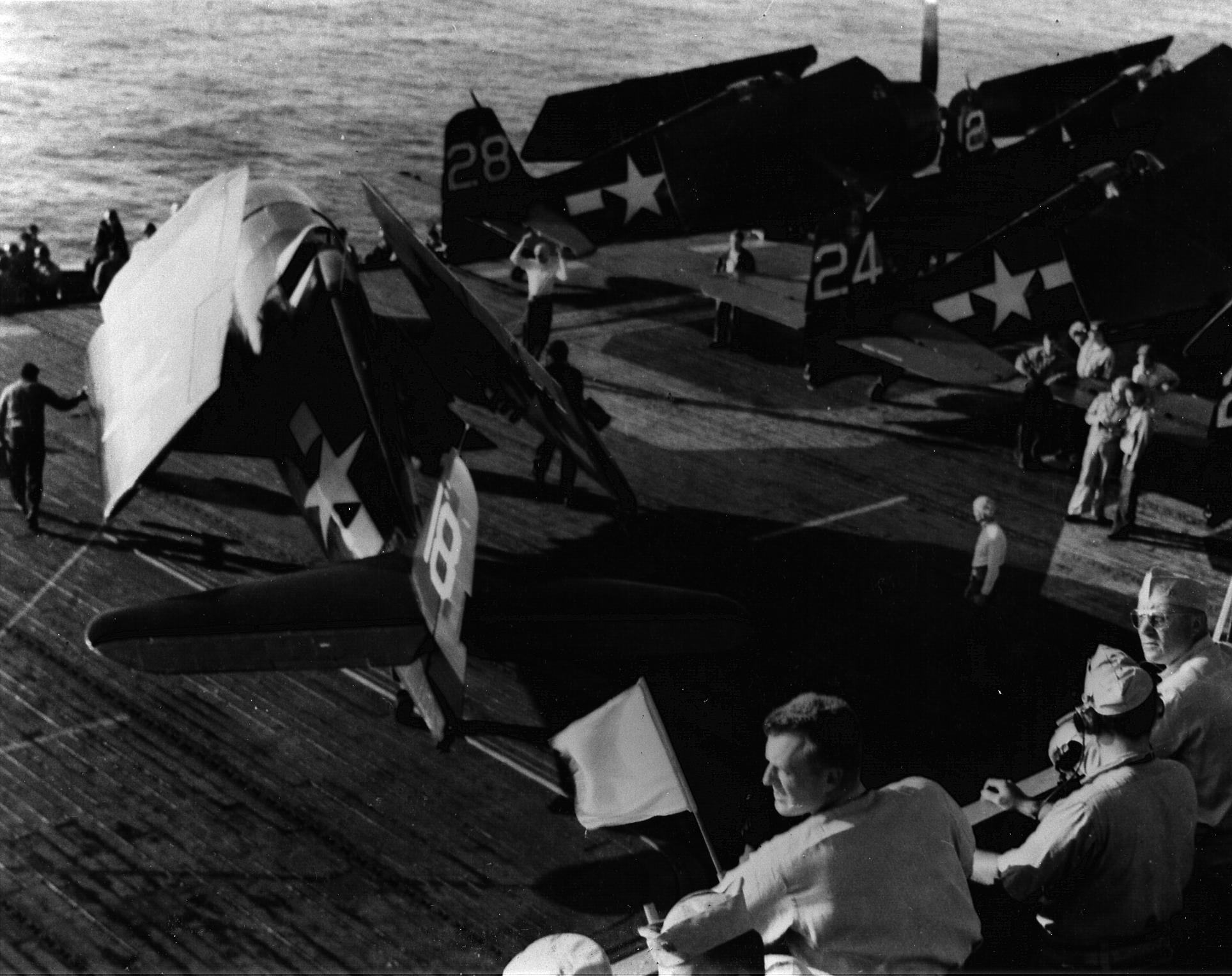 Grumman F6F 5 Hellcat VF 74 White 18 onboard CVE 69 USS Kasaan Bay of Southern France 01