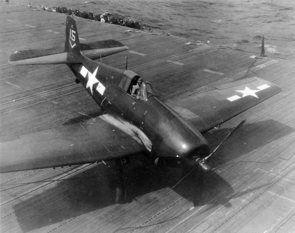 Grumman F6F 5 Hellcat VF 80 White 15 BuNo 70677 LtJg JP Peck CV 14 USS Ticonderoga 14th Nov 1944 01