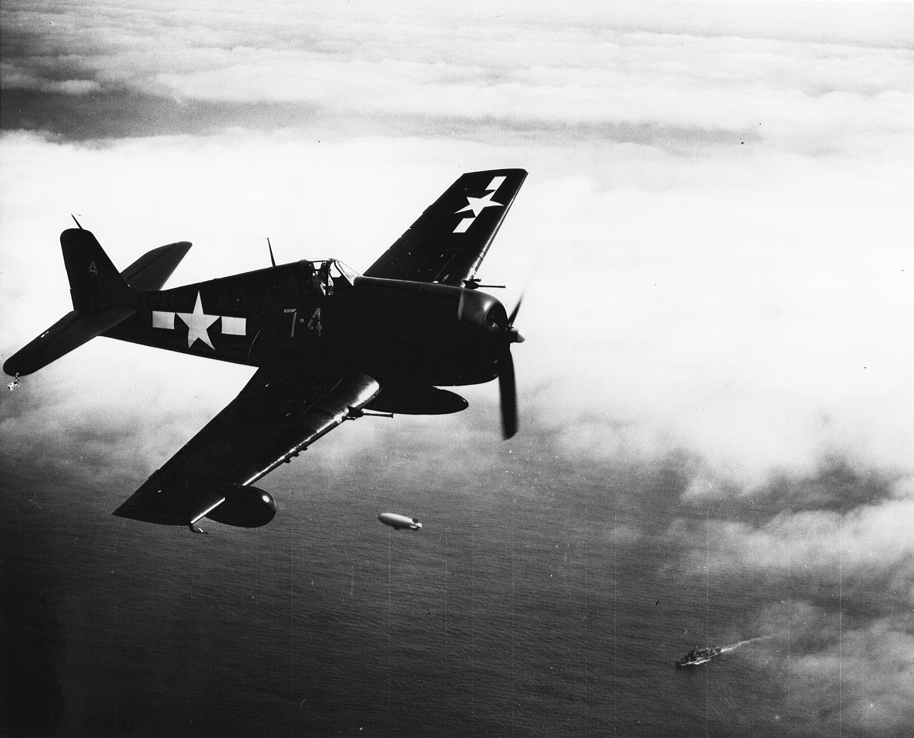 Grumman F6F 5N Hellcat VFN 107 White 74 from NAS Quonset Point RI 01