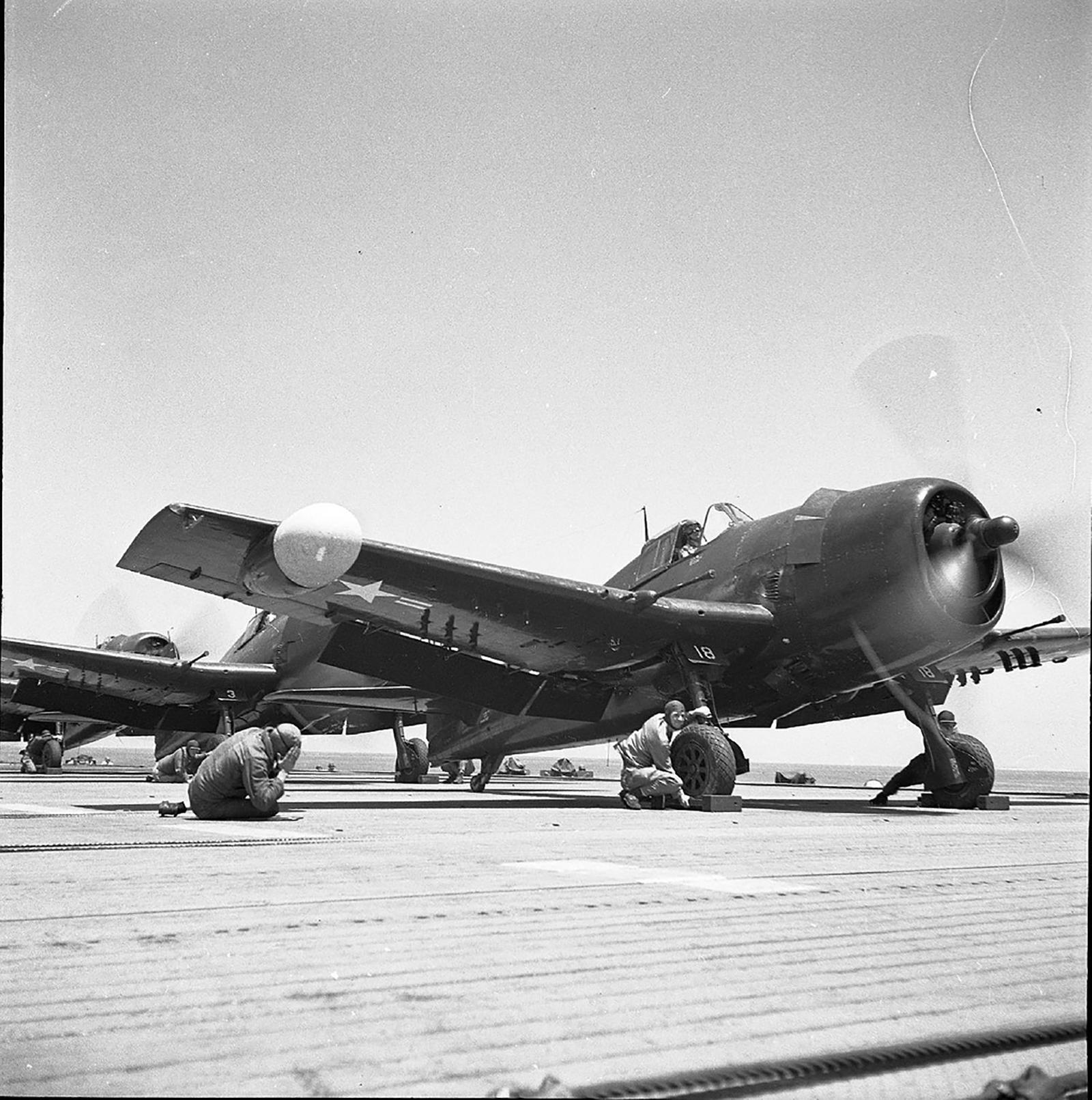 Grumman F6F 5N Hellcat White 18 being prepared for take off 01