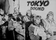 Asisbiz Aircrew wartime press release photographs 01