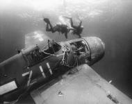 Asisbiz Grumman F6F 5 Hellcat VF 21 White Z11 ditched off the coast of San Diego CA salvaged 1970 01