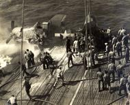 Asisbiz Grumman F6F 5 Hellcat VF 21 flight deck accident CVL 24 USS Belleau Wood 6th Oct 1943 01