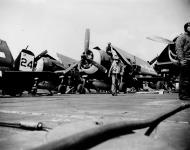 Asisbiz Grumman F6F 5 Hellcat VF 42 Black 24 aboard CVL 30 USS San Jacinto 1945 01