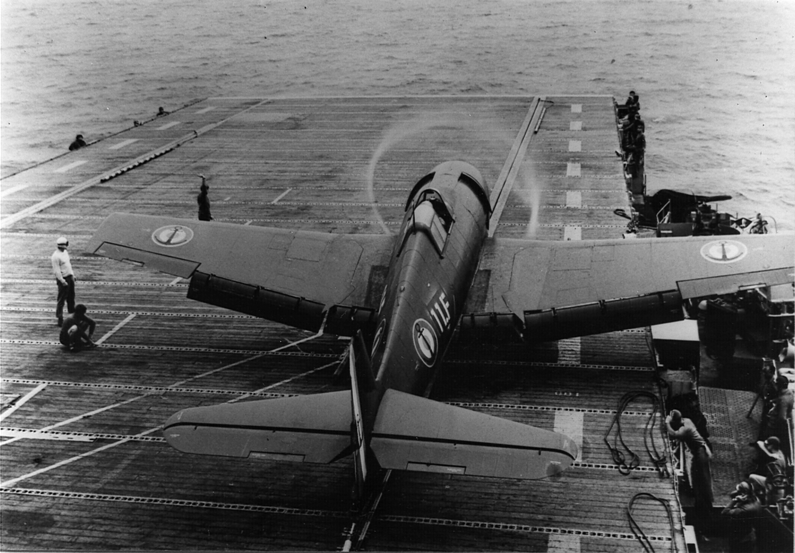 French Navy Grumman F6F 5 Hellcat Flotille 11F onboard Bois Belleau formerly USS Belleau Wood 1954 01