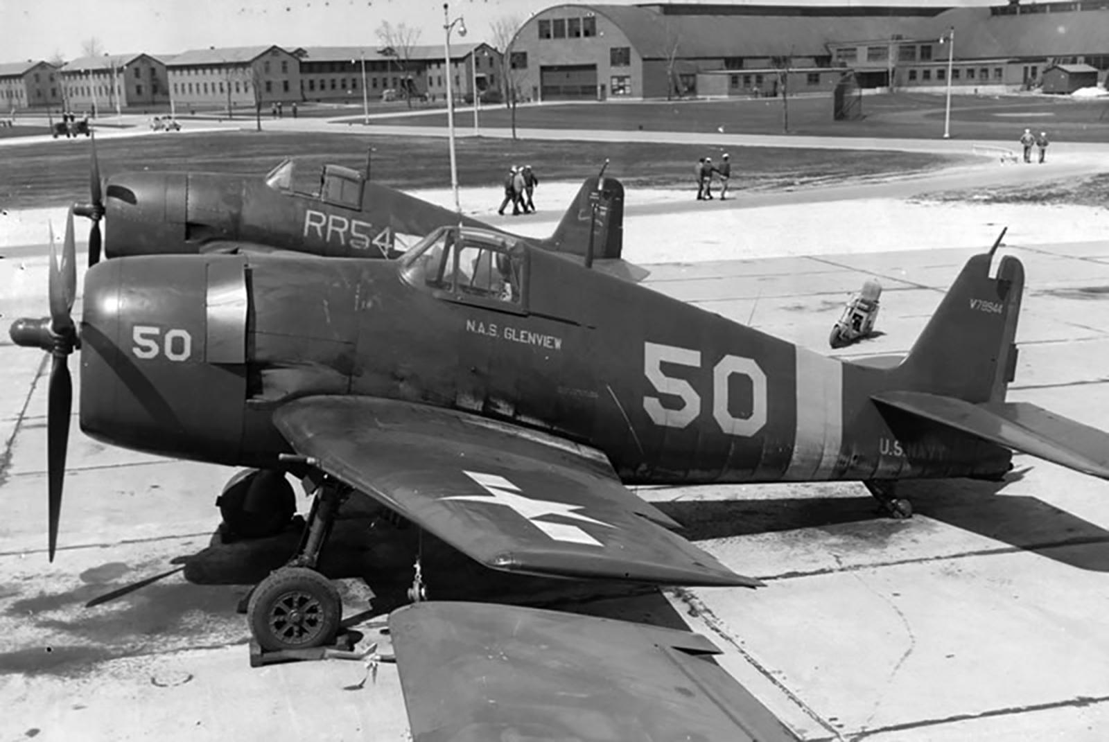Grumman F6F 5 Hellcat NAS Yellow 50 NAS Glenview 01