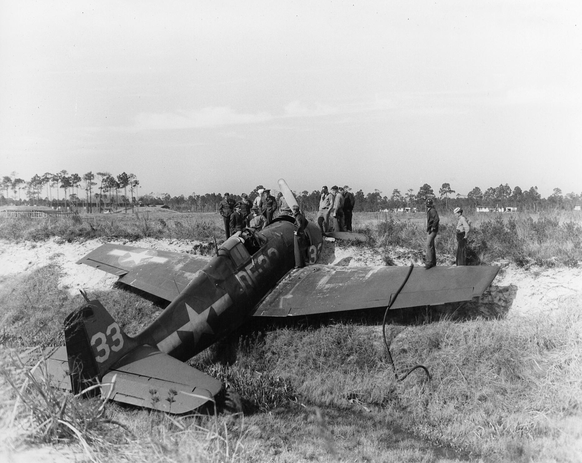 Grumman F6F 5 Hellcat VFN 1 White DF33 OTU crashed at NAS Daytona Beach FL 01