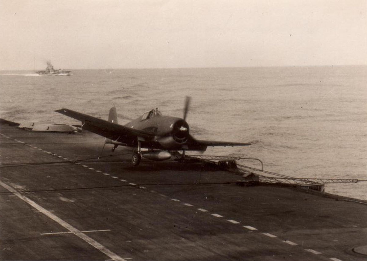 Grumman Hellcat MkII RN FAA 1839NAS 5A McKenzie landing accident HMS Indomitable Oct 17 1944 01