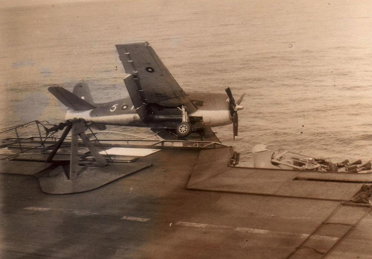 Grumman Hellcat MkII RN FAA 1839NAS 5A McKenzie landing accident HMS Indomitable Oct 17 1944 02
