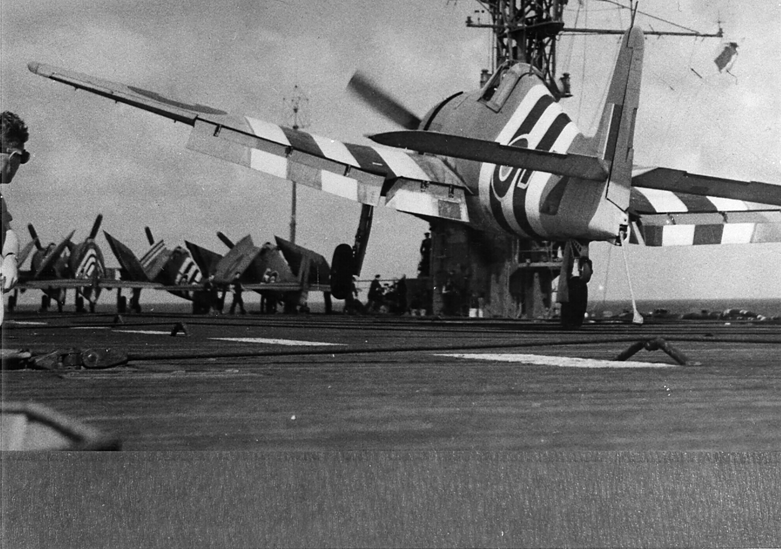 Grumman Hellcat MkI RN FAA 800NAS or 804NAS Red ED 1944 01