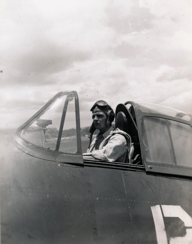 Aircrew USN VBF 8 Ens Beaulieu NAS Puunene 1945 01