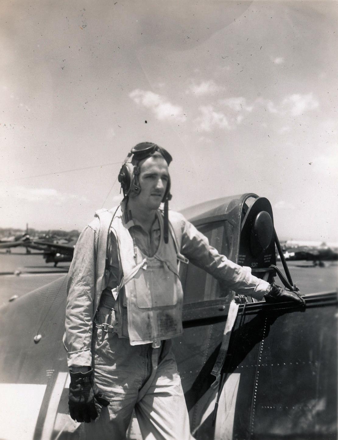 Aircrew USN VBF 8 Ens Clarke NAS Puunene 1945 01