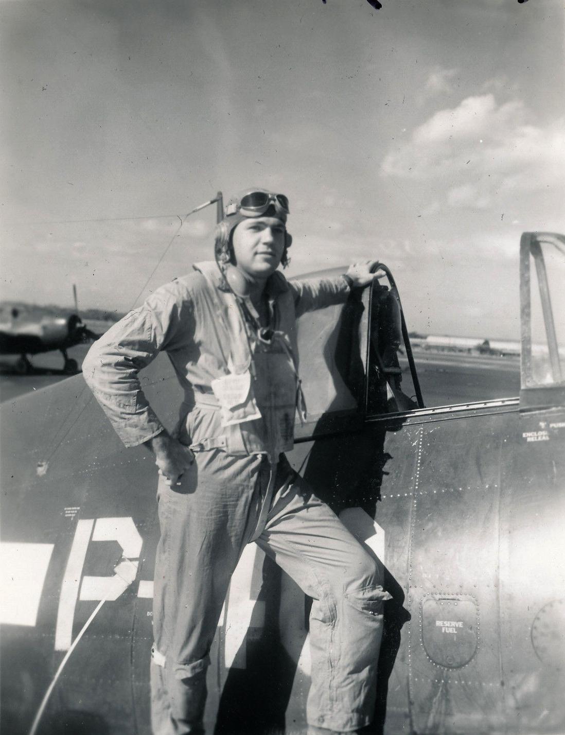 Aircrew USN VBF 8 Ens Gordon Gordo Woolley NAS Puunene 1945 01