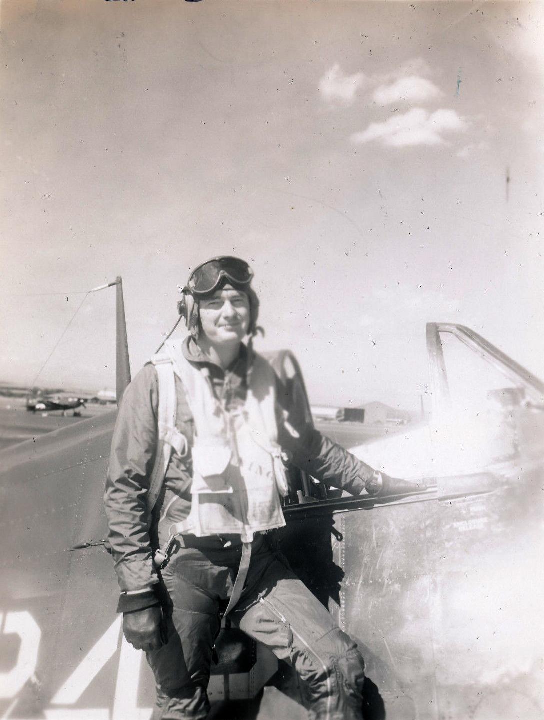 Aircrew USN VBF 8 Lt Downing NAS Puunene 1945 01