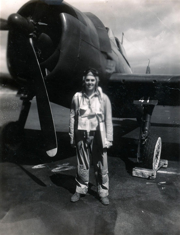 Aircrew USN VBF 8 Lt Vansant NAS Puunene 1945 01