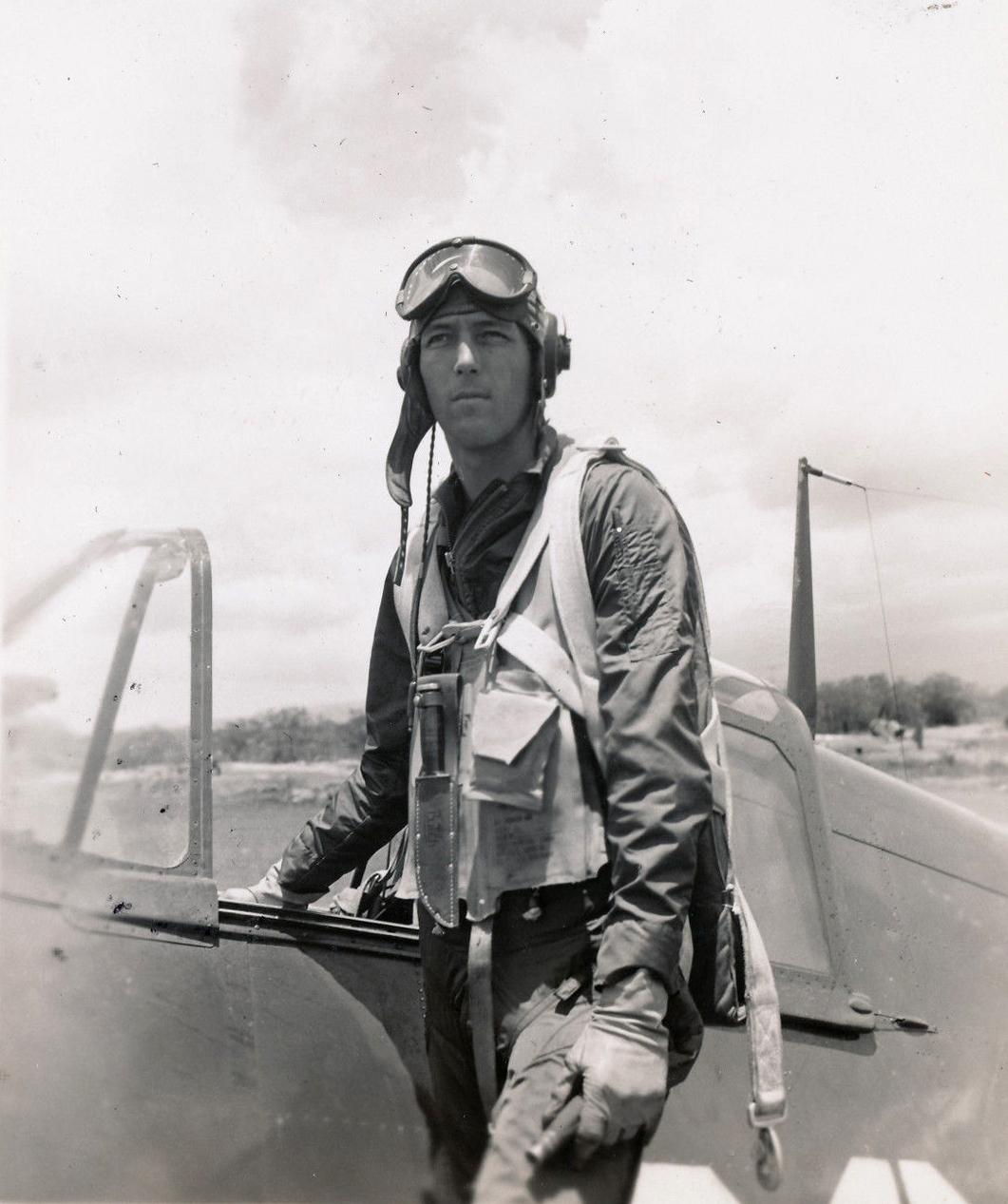 Aircrew USN VBF 8 LtJG Don Butcher NAS Puunene 1945 01