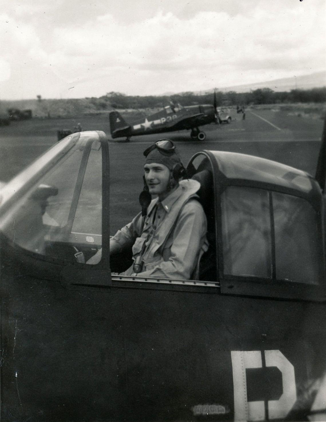 Aircrew USN VBF 8 LtJG Don Hope NAS Puunene 1945 01